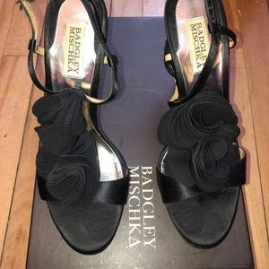 Gorgeous Badgley Mischka Black Satin Heals 8.5